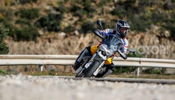 Prova su strada Moto Guzzi V85TT: caratteristiche, prezzo e opinioni - Foto 77 di 116