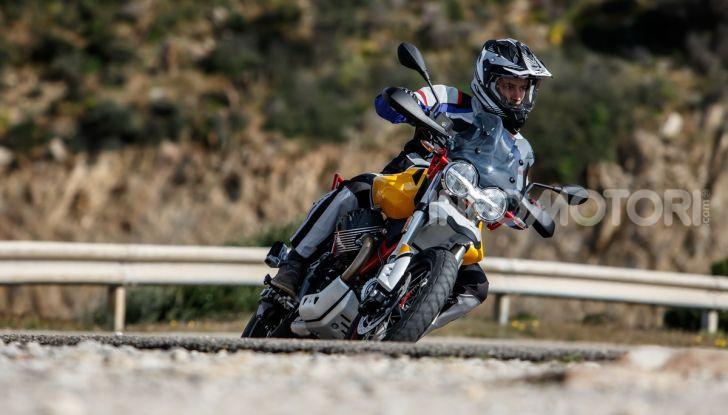 Prova su strada Moto Guzzi V85TT: caratteristiche, prezzo e opinioni - Foto 81 di 116