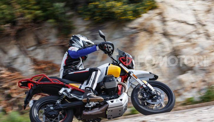 Prova su strada Moto Guzzi V85TT: caratteristiche, prezzo e opinioni - Foto 93 di 116