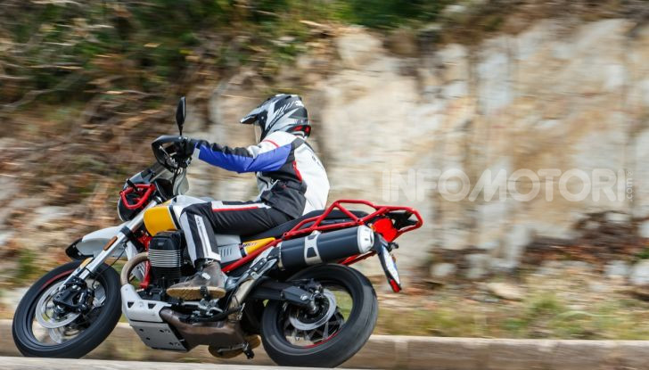 Prova su strada Moto Guzzi V85TT: caratteristiche, prezzo e opinioni - Foto 103 di 116