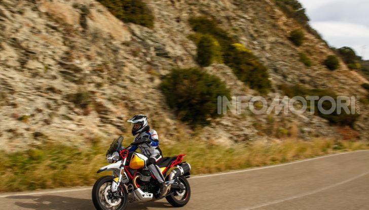 Prova su strada Moto Guzzi V85TT: caratteristiche, prezzo e opinioni - Foto 105 di 116