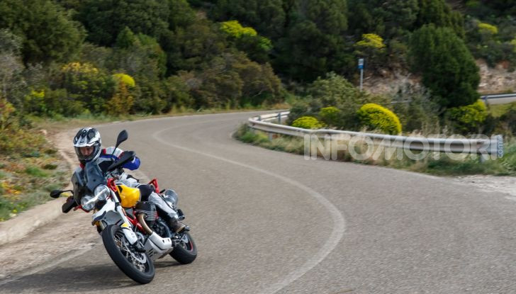 La Moto Guzzi V85TT piace e Mandello assume 18 giovani operai - Foto 113 di 116