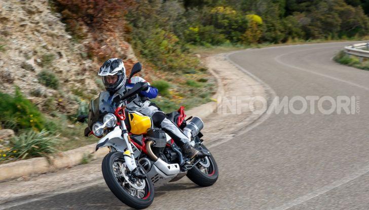 Prova su strada Moto Guzzi V85TT: caratteristiche, prezzo e opinioni - Foto 115 di 116