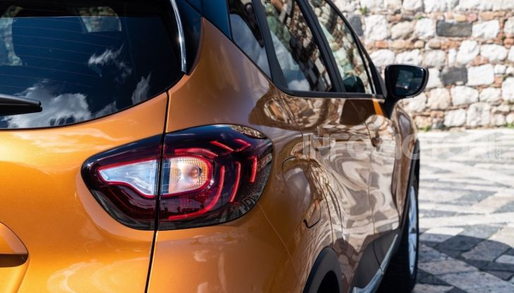 Nuova Renault Captur Sport Edition, primo contatto su strada e prestazioni - Foto 3 di 11