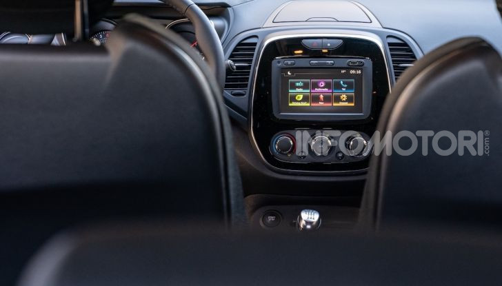 Nuova Renault Captur Sport Edition, primo contatto su strada e prestazioni - Foto 6 di 11