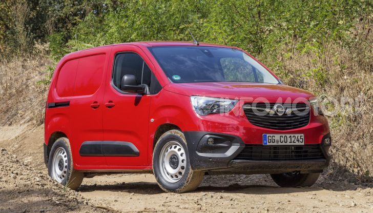 Veicoli Commerciali Opel, Mara Maionchi ambassador della gamma - Foto 3 di 10