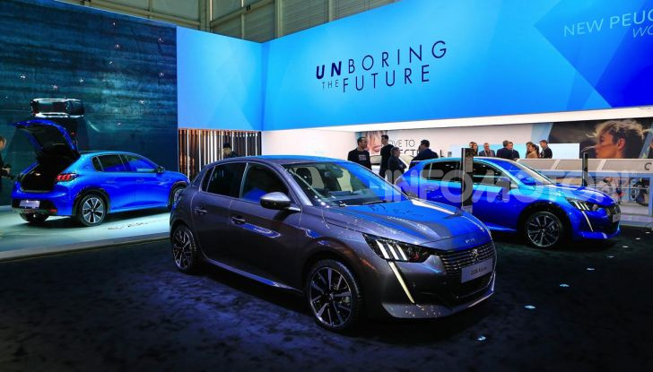 Nuova Peugeot 208 elettrica, Diesel e benzina già prenotabile - Foto 30 di 44