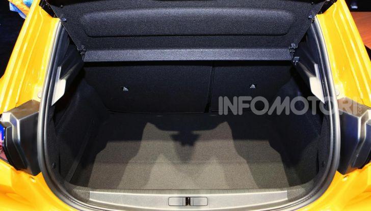 Nuova Peugeot 208 2019: caratteristiche, allestimenti e prezzi - Foto 12 di 44