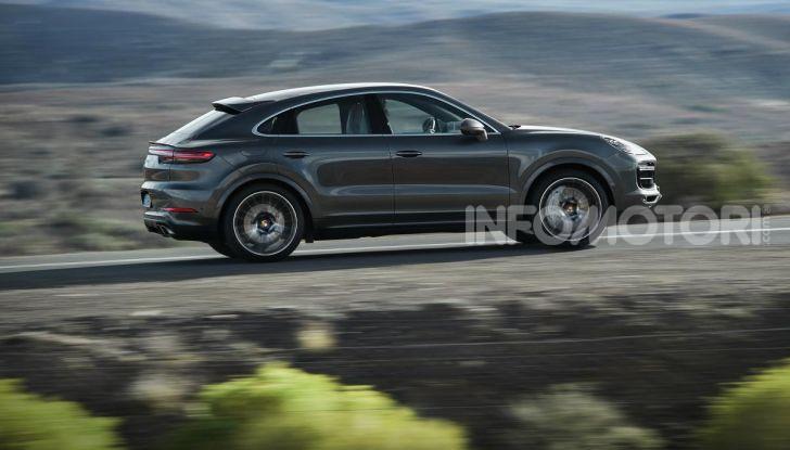 Porsche Cayenne Coupé Turbo 2019: più sportività per il SUV Premium - Foto 2 di 9