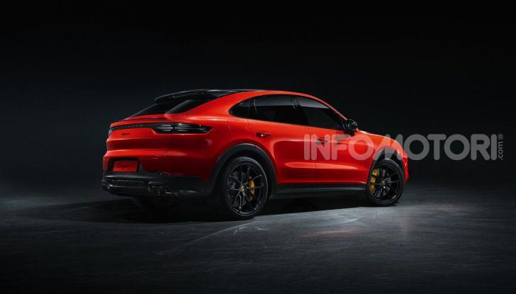 Porsche Cayenne Coupé Turbo 2019: più sportività per il SUV Premium - Foto 3 di 9