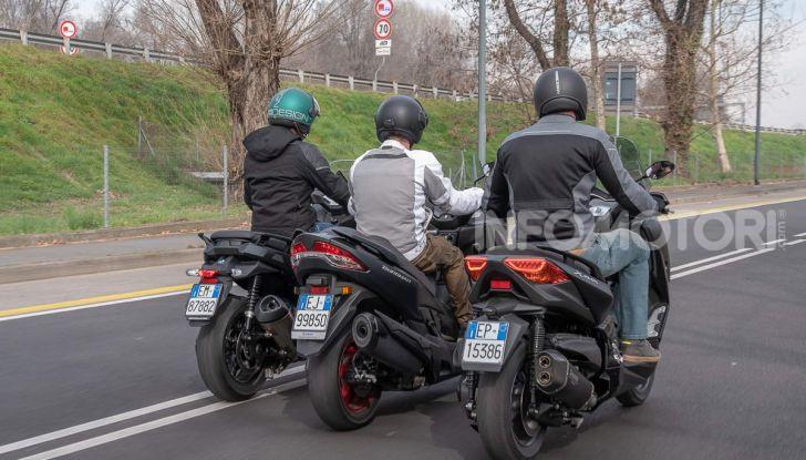 Comparativa scooter 400: Suzuki Burgman, Yamaha XMAX e BMW C400X - Foto 19 di 61