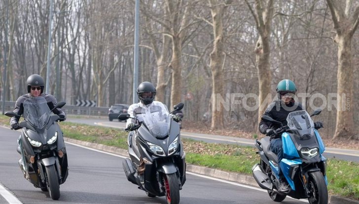 Comparativa scooter 400: Suzuki Burgman, Yamaha XMAX e BMW C400X - Foto 20 di 61