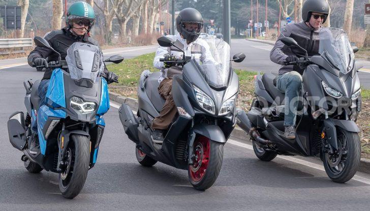 Comparativa scooter 400: Suzuki Burgman, Yamaha XMAX e BMW C400X - Foto 22 di 61