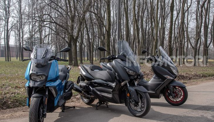 Comparativa scooter 400: Suzuki Burgman, Yamaha XMAX e BMW C400X - Foto 24 di 61