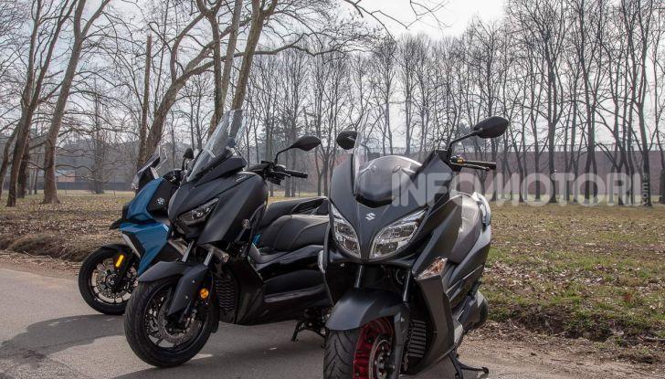 Comparativa scooter 400: Suzuki Burgman, Yamaha XMAX e BMW C400X - Foto 26 di 61