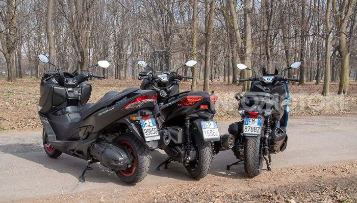 Comparativa scooter 400: Suzuki Burgman, Yamaha XMAX e BMW C400X - Foto 29 di 61