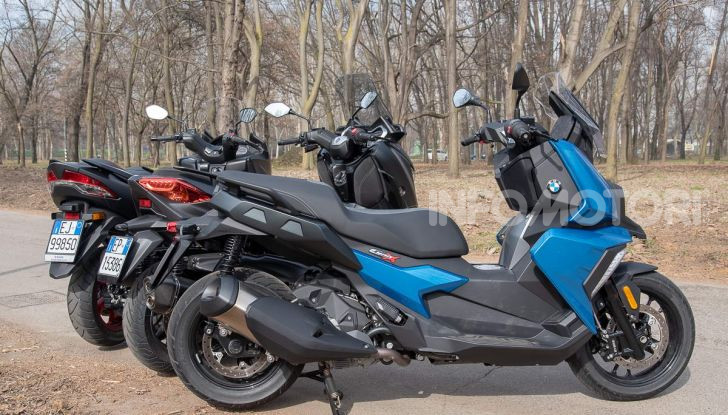 Comparativa scooter 400: Suzuki Burgman, Yamaha XMAX e BMW C400X - Foto 32 di 61