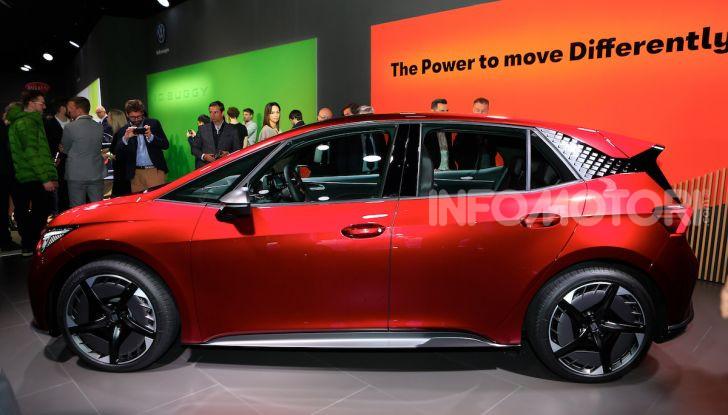 Seat el-Born: l'auto elettrica a basso costo al Salone di Ginevra 2019 - Foto 2 di 17