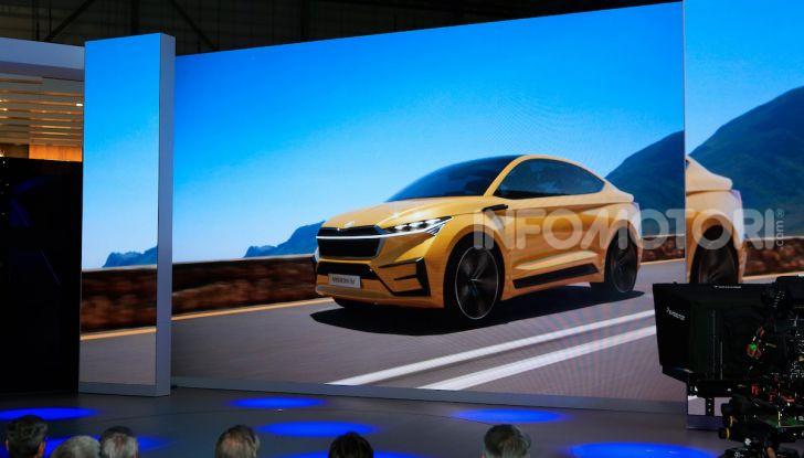Skoda Vision iV: a Ginevra arriva l'auto elettrica del futuro - Foto 12 di 35