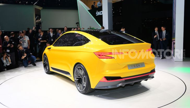 Skoda Vision iV: a Ginevra arriva l'auto elettrica del futuro - Foto 3 di 35