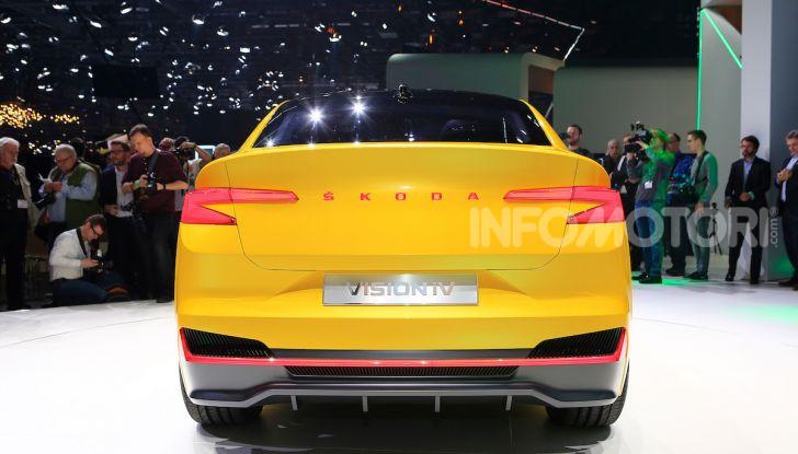 Skoda Vision iV: a Ginevra arriva l'auto elettrica del futuro - Foto 20 di 35