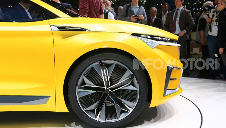 Skoda Vision iV: a Ginevra arriva l'auto elettrica del futuro - Foto 22 di 35