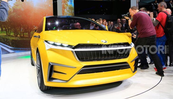Skoda Vision iV: a Ginevra arriva l'auto elettrica del futuro - Foto 23 di 35