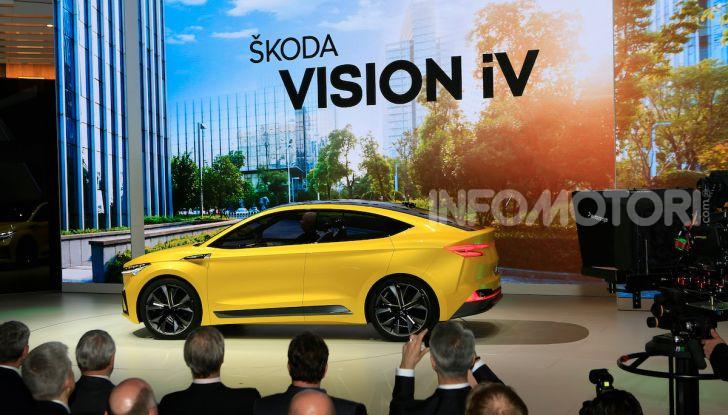Skoda Vision iV: a Ginevra arriva l'auto elettrica del futuro - Foto 13 di 35