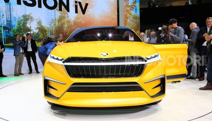 Skoda Vision iV: a Ginevra arriva l'auto elettrica del futuro - Foto 8 di 35