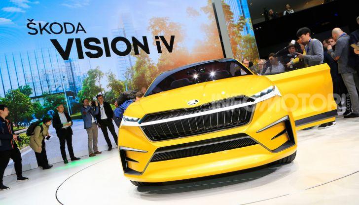 Skoda Vision iV: a Ginevra arriva l'auto elettrica del futuro - Foto 9 di 35