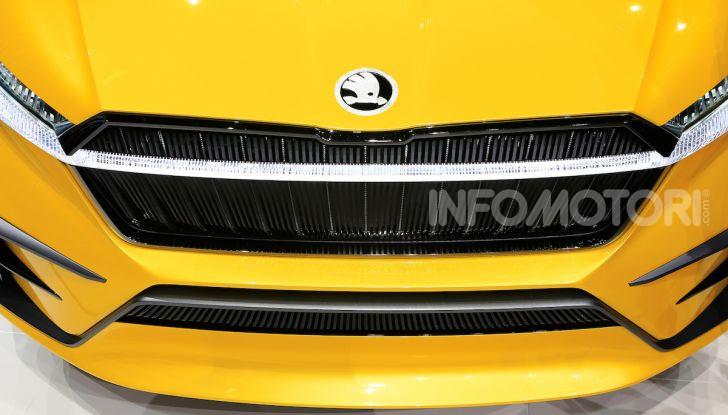 Skoda Vision iV: a Ginevra arriva l'auto elettrica del futuro - Foto 28 di 35