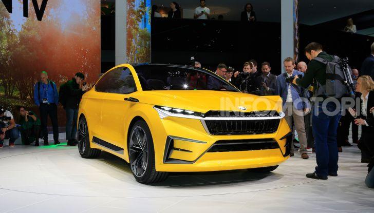 Skoda Vision iV: a Ginevra arriva l'auto elettrica del futuro - Foto 29 di 35