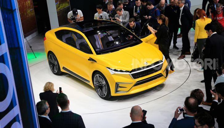 Skoda Vision iV: a Ginevra arriva l'auto elettrica del futuro - Foto 30 di 35