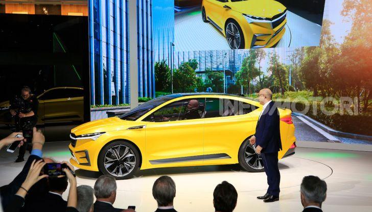 Skoda Vision iV: a Ginevra arriva l'auto elettrica del futuro - Foto 14 di 35