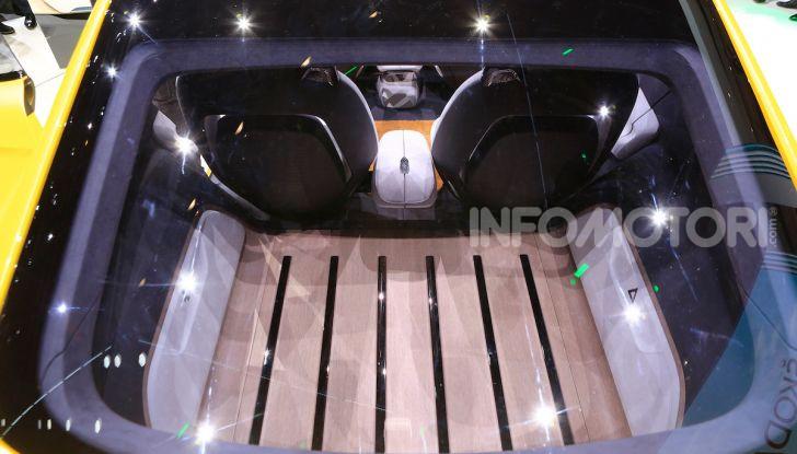 Skoda Vision iV: a Ginevra arriva l'auto elettrica del futuro - Foto 32 di 35