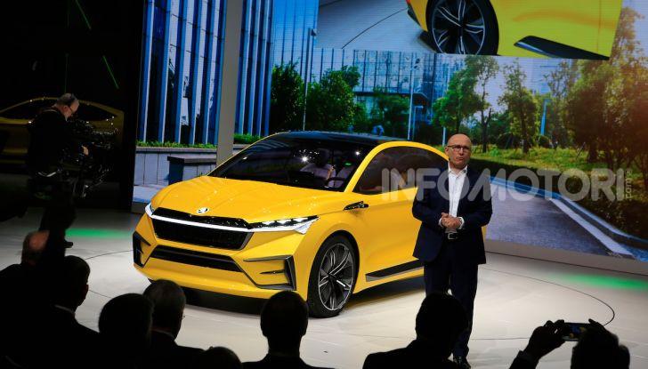Skoda Vision iV: a Ginevra arriva l'auto elettrica del futuro - Foto 16 di 35