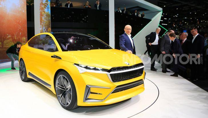 Skoda Vision iV: a Ginevra arriva l'auto elettrica del futuro - Foto 1 di 35