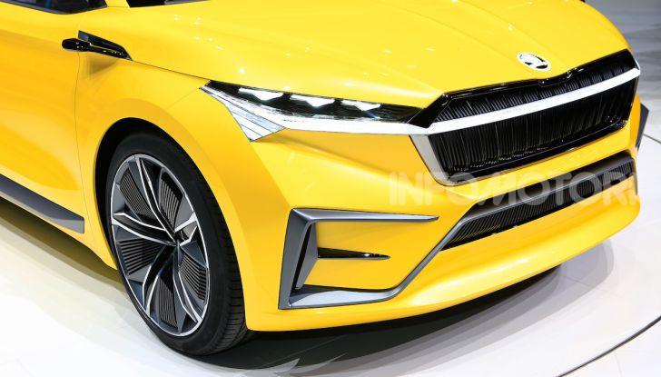Skoda Vision iV: a Ginevra arriva l'auto elettrica del futuro - Foto 18 di 35