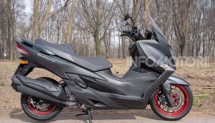 Comparativa scooter 400: Suzuki Burgman, Yamaha XMAX e BMW C400X - Foto 36 di 61