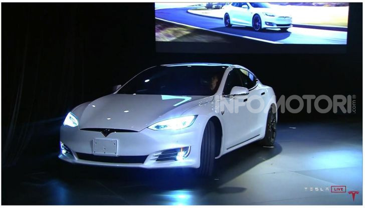 Tesla Model Y ordinabile in Italia da 57.980 euro - Foto 10 di 33