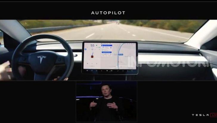 Tesla Model Y ordinabile in Italia da 57.980 euro - Foto 29 di 33