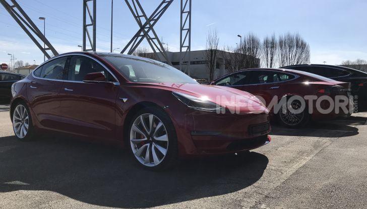 Una Tesla Model 3 a Capo Nord per testare la batteria - Foto 5 di 9