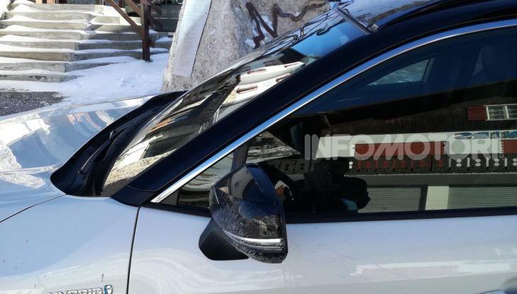 Prova Toyota RAV4 2019 Full Hybrid: sfida al limite tra i passi di montagna - Foto 11 di 12
