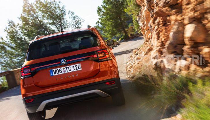 Prova Volkswagen T-Cross: il crossover comodo per far viaggiare il mercato - Foto 25 di 35