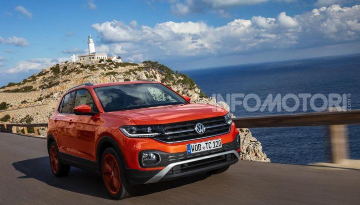 Prova Volkswagen T-Cross: il crossover comodo per far viaggiare il mercato - Foto 34 di 35
