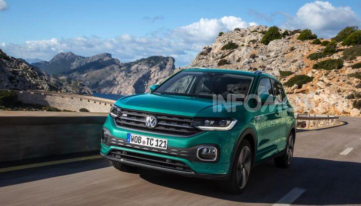 Prova Volkswagen T-Cross: il crossover comodo per far viaggiare il mercato - Foto 21 di 35
