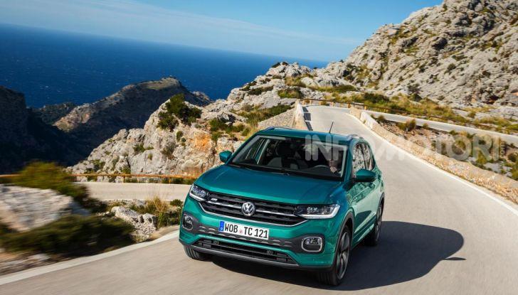 Prova Volkswagen T-Cross: il crossover comodo per far viaggiare il mercato - Foto 20 di 35