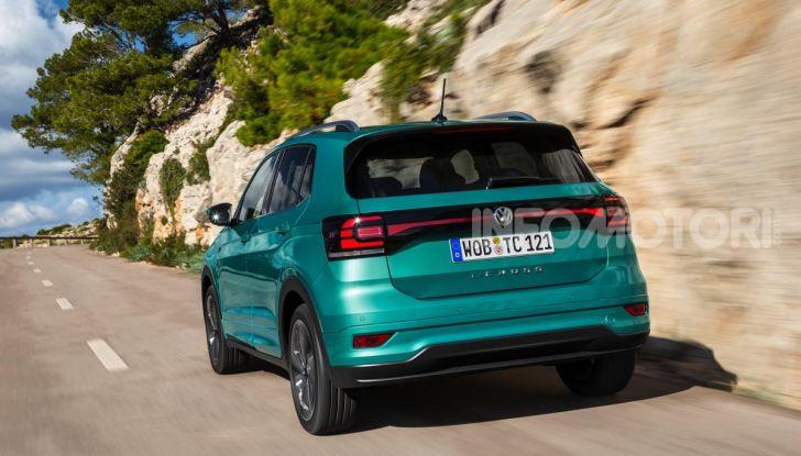 Prova Volkswagen T-Cross: il crossover comodo per far viaggiare il mercato - Foto 18 di 35