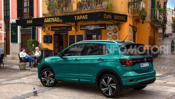 Prova Volkswagen T-Cross: il crossover comodo per far viaggiare il mercato - Foto 3 di 35