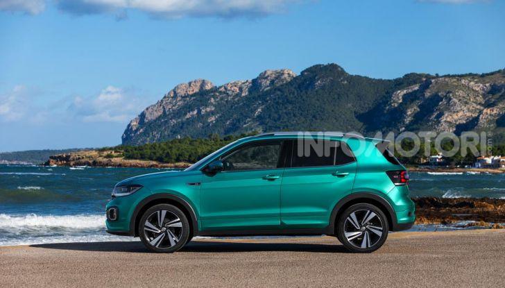 Prova Volkswagen T-Cross: il crossover comodo per far viaggiare il mercato - Foto 17 di 35